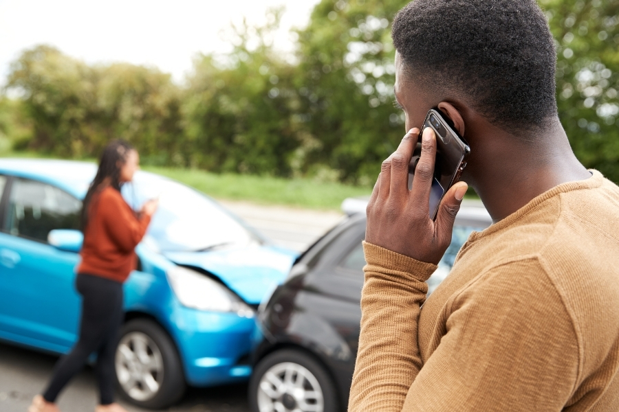 calling 911 after car accident