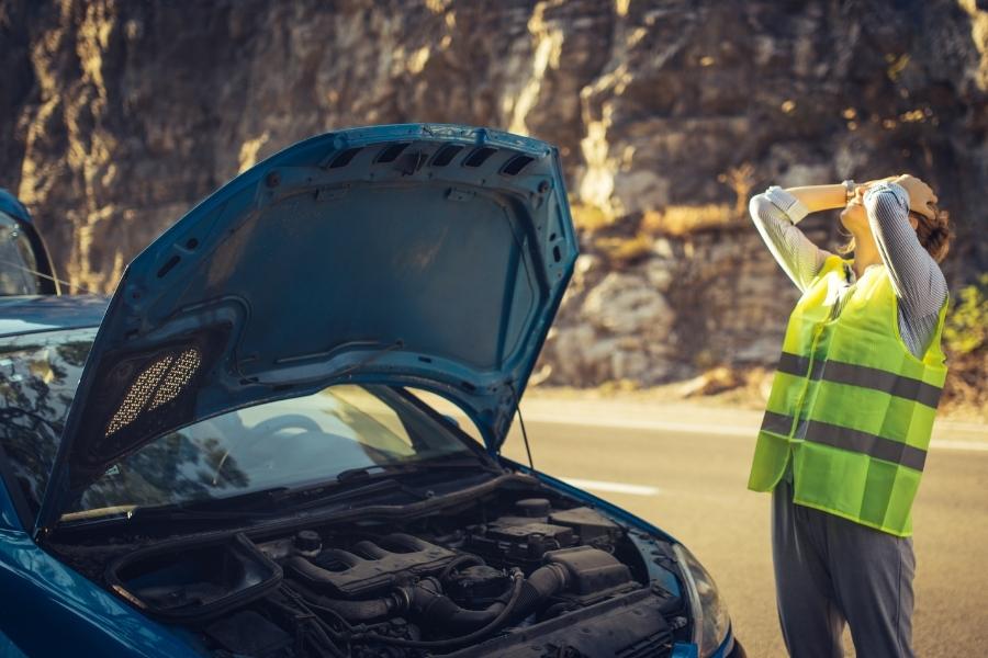 car broken down that needs roadside assistance